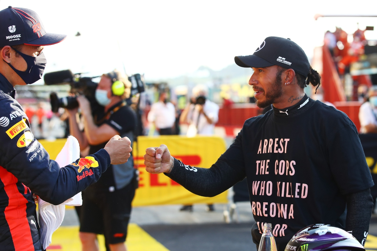 Alex Albon e Lewis Hamilton (Getty Images)