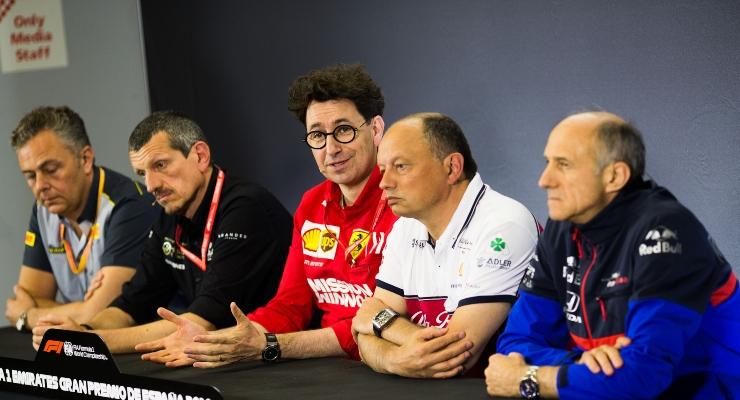 Mattia Binotto e Vasseur in conferenza stampa (Getty Images)