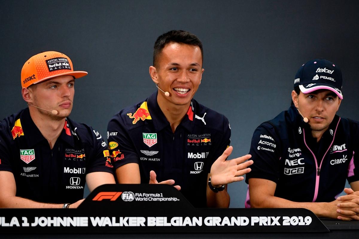 Max Verstappen, Alexander Albon e Sergio Perez (Getty Images)