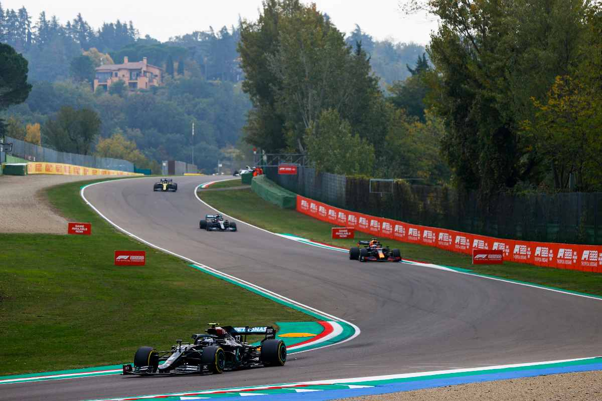 Una fase di gara del Gran Premio dell'Emilia Romagna di F1 2020 a Imola