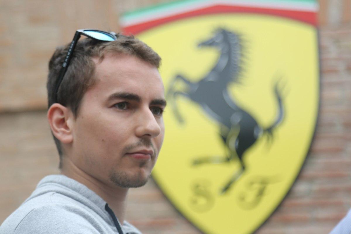 Jorge Lorenzo in visita a Maranello