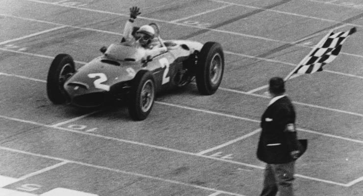 Phil Hill nel 1961, ai tempi in cui correva con la Ferrari del direttore sportivo Romolo Tavoni