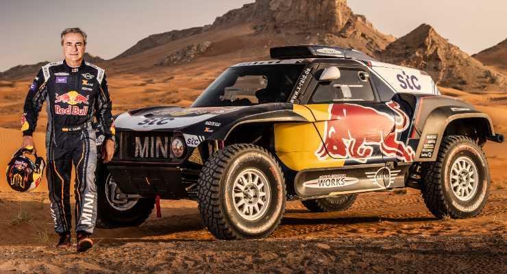 Carlos Sainz e la sua Mini alla Dakar 2021