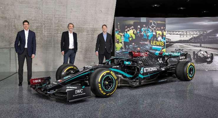Il team principal Toto Wolff, il presidente di Ineos Jim Ratcliffe e il presidente del gruppo Daimler Ola Kallenius