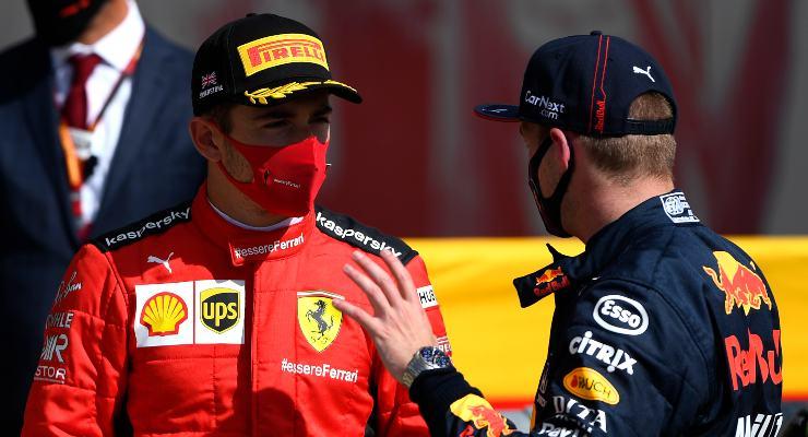Charles Leclerc e Max Verstappen