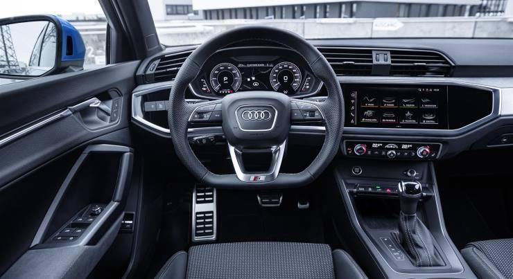 Audi Q3 PHEV interni