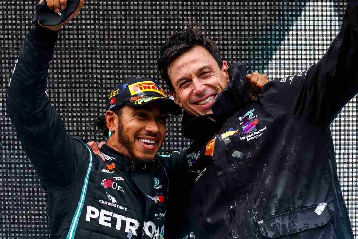 Toto Wolff con Lewis Hamilton