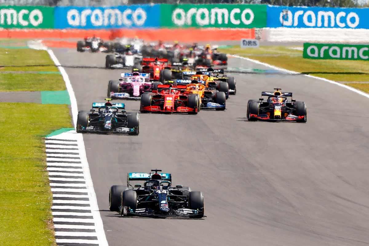La partenza del Gran Premio di Gran Bretagna di F1 2020 a Silverstone