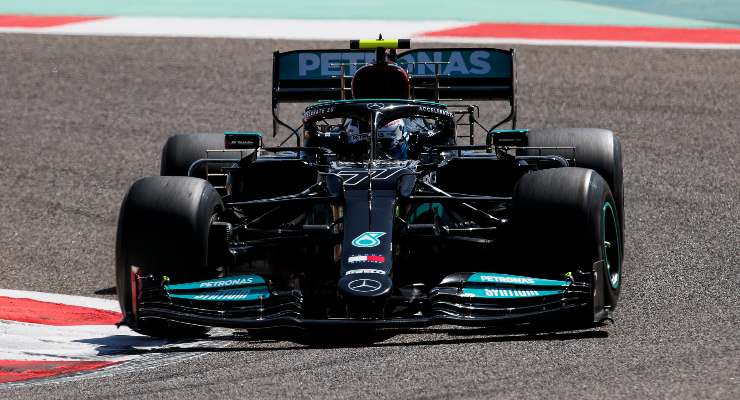 Valtteri Bottas in pista nei test F1 di Sakhir, in Bahrain