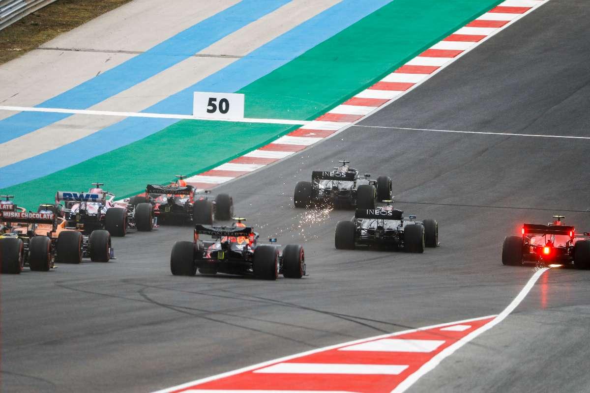 La partenza del Gran Premio del Portogallo di F1 2020 a Portimao