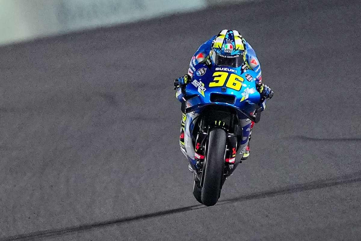 Joan Mir in pista nel Gran Premio del Qatar di MotoGP 2021 a Losail