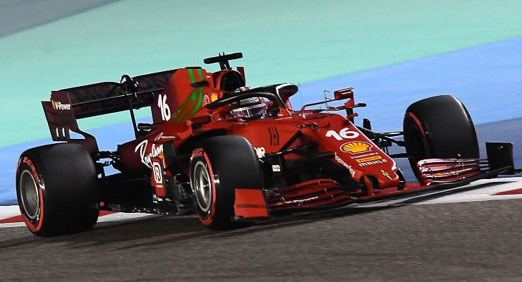 Charles Leclerc in pista nel Gran Premio del Bahrain di F1 2021 a Sakhir