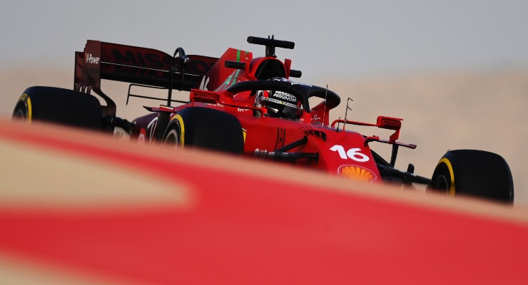 La Ferrari di Charles Leclerc in pista nei test F1 di Sakhir, in Bahrain