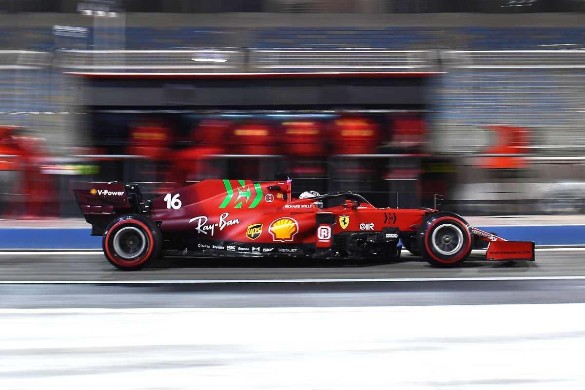 Charles Leclerc in corsia box nei test F1 di Sakhir, in Bahrain
