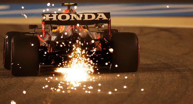 Sergio Perez in pista nelle prove libere del Gran Premio del Bahrain di F1 2021 a Sakhir