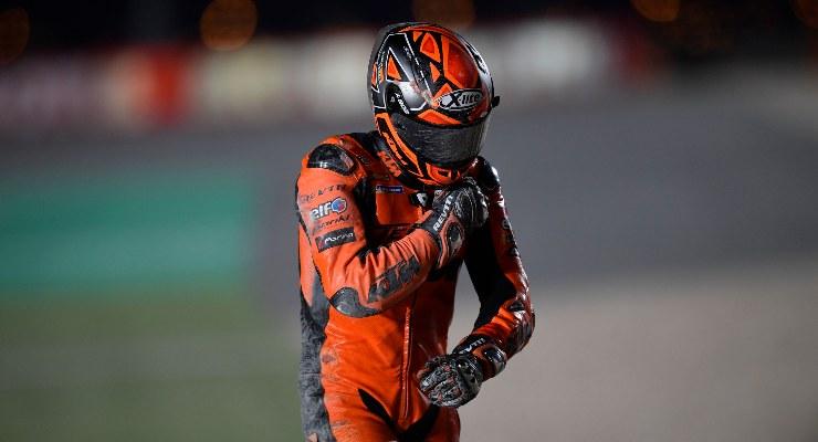 Danilo Petrucci dopo la caduta nel corso del Gran Premio del Qatar di MotoGP 2021 a Losail