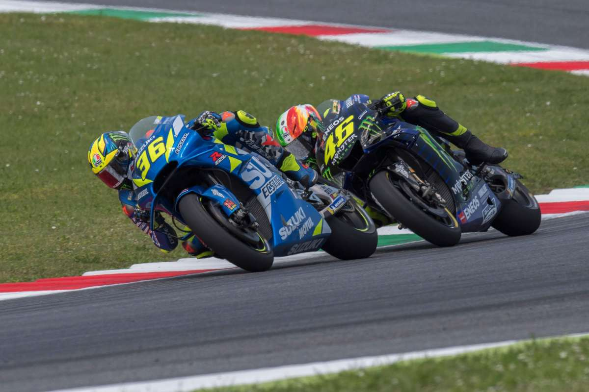 Joan Mir e Valentino Rossi (Getty Images)