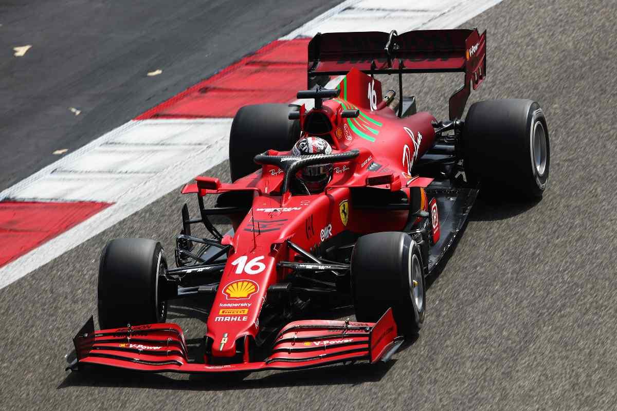 Leclerc con la Ferrari SF21 durante i test in Bahrain (Photo by Joe Portlock/Getty Images)