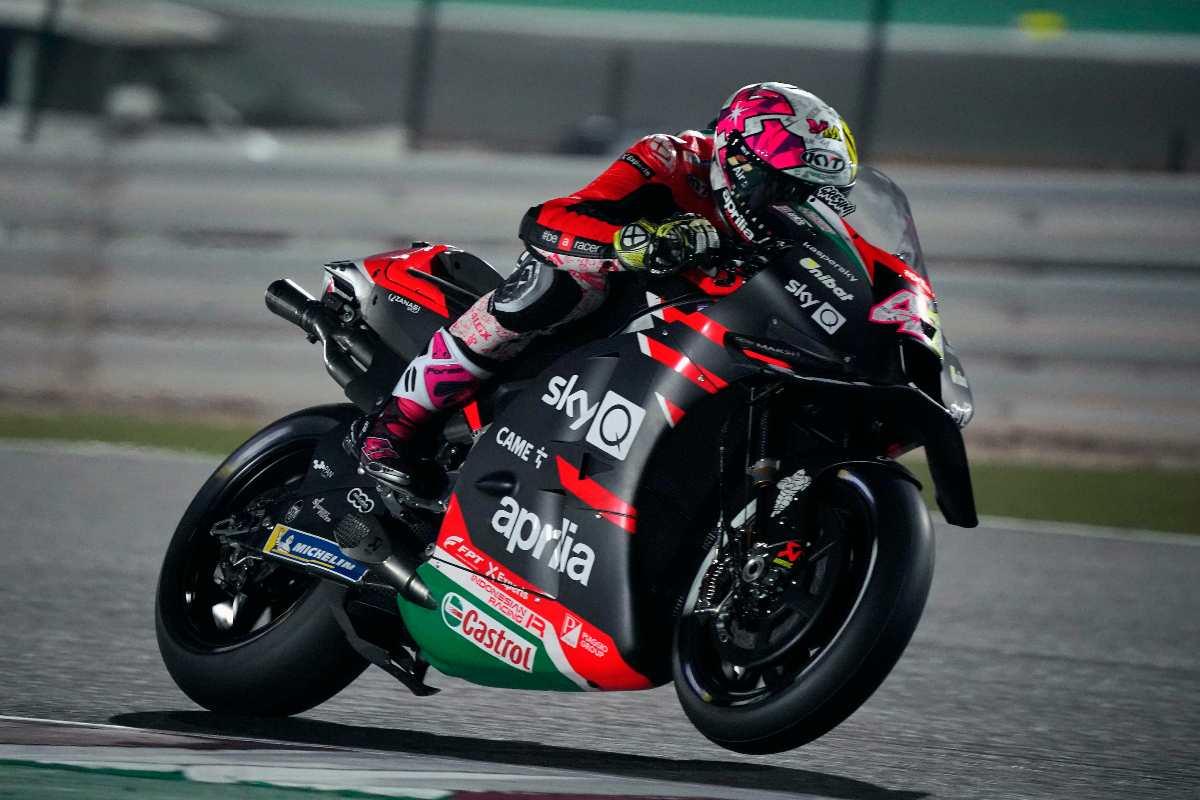 Aleix Espargarò in pista nel Gran Premio di Doha di MotoGP 2021 a Losail