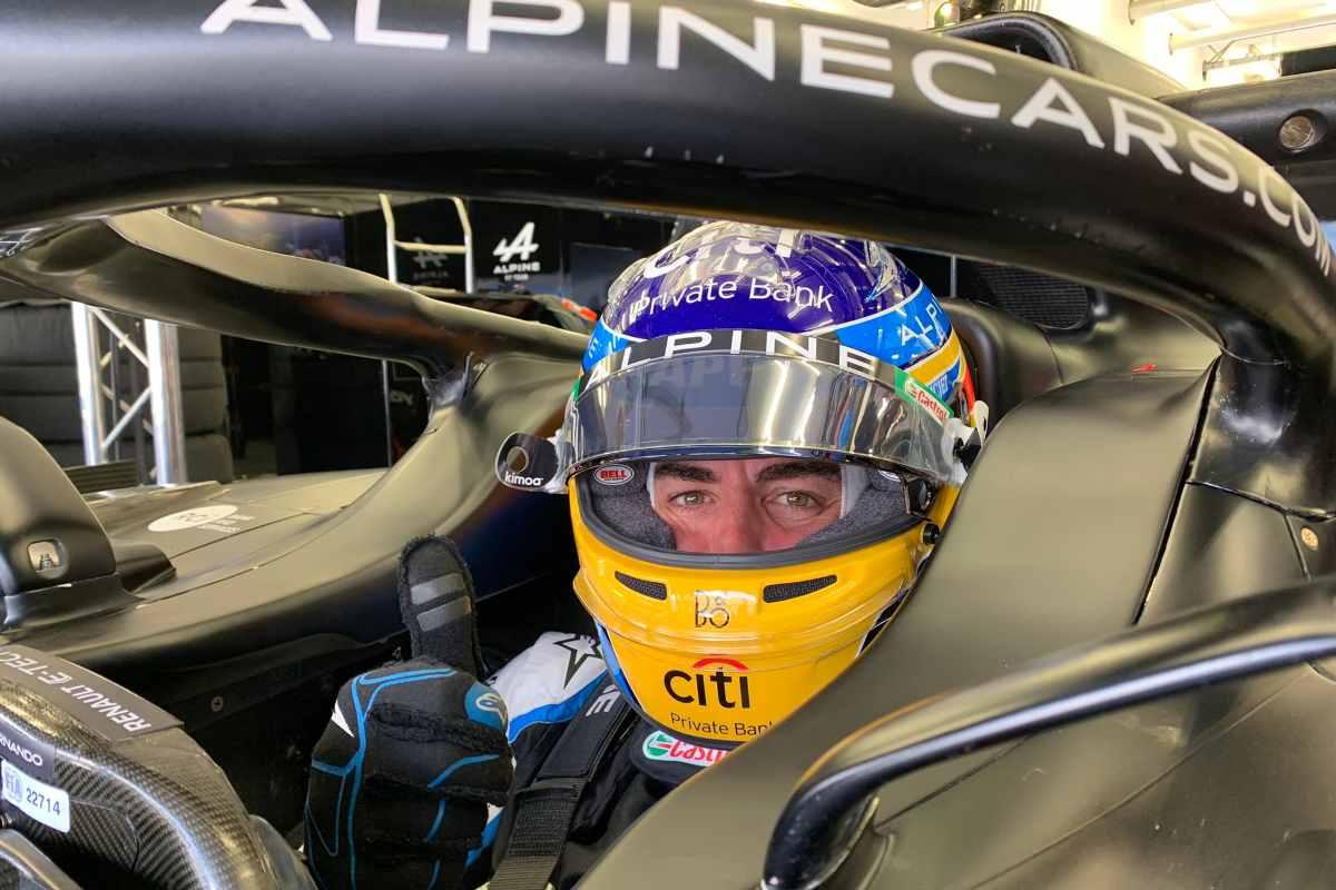 Fernando Alonso nei test F1 sul circuito di Sakhir