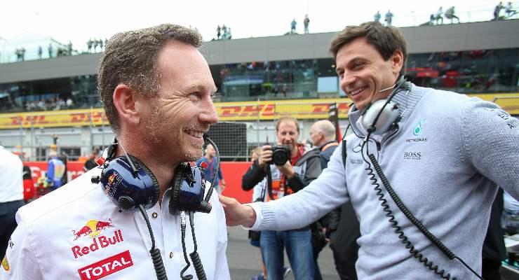Il team principal della Red Bull, Christian Horner, e il team principal della Mercedes, Toto Wolff
