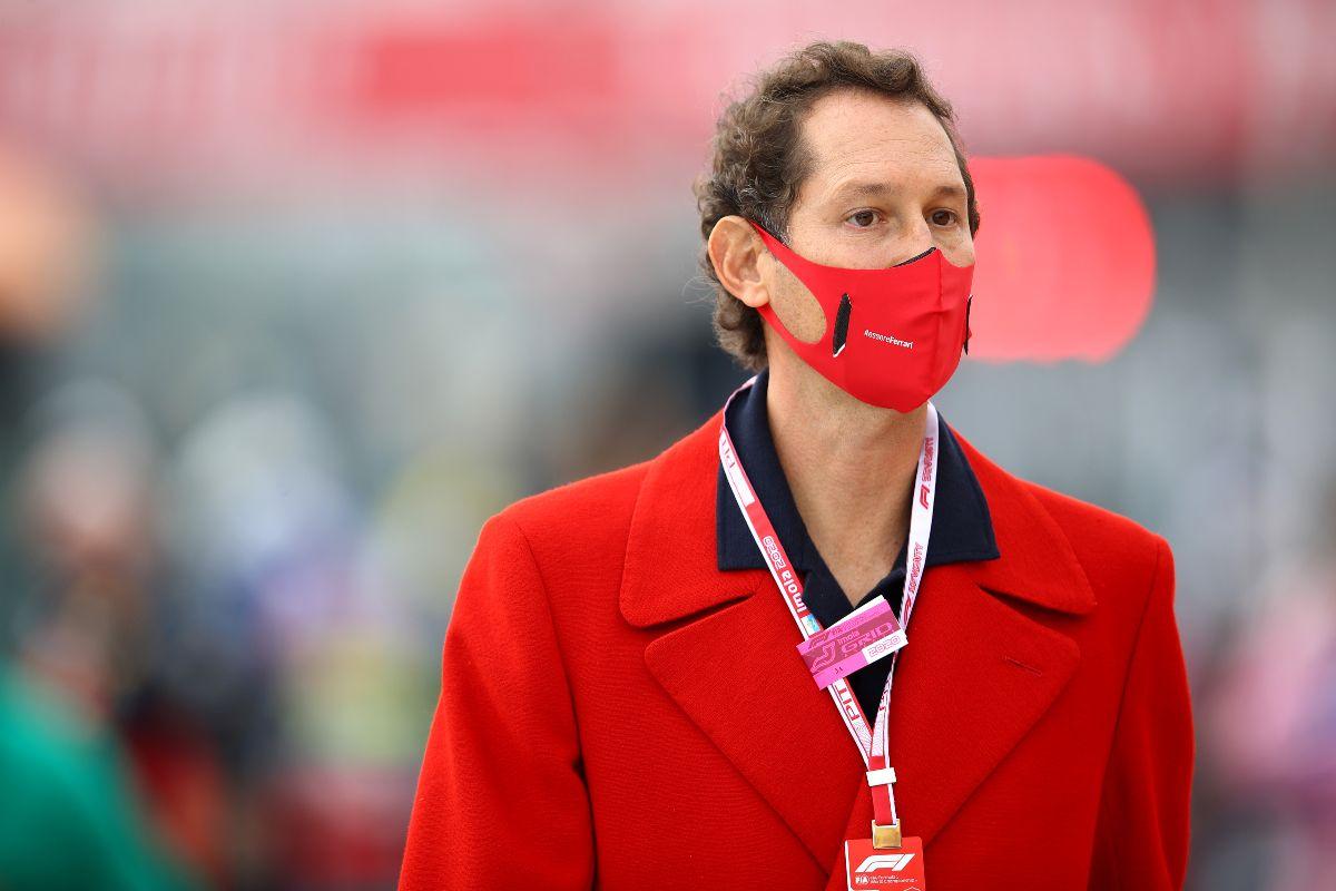 Il presidente della Ferrari, John Elkann, nel paddock del Gran Premio dell'Emilia Romagna di F1 2021 a Imola