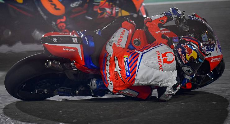Jorge Martin in pista sulla Ducati satellite del team Pramac nel Gran Premio di Doha di MotoGP 2021 a Losail