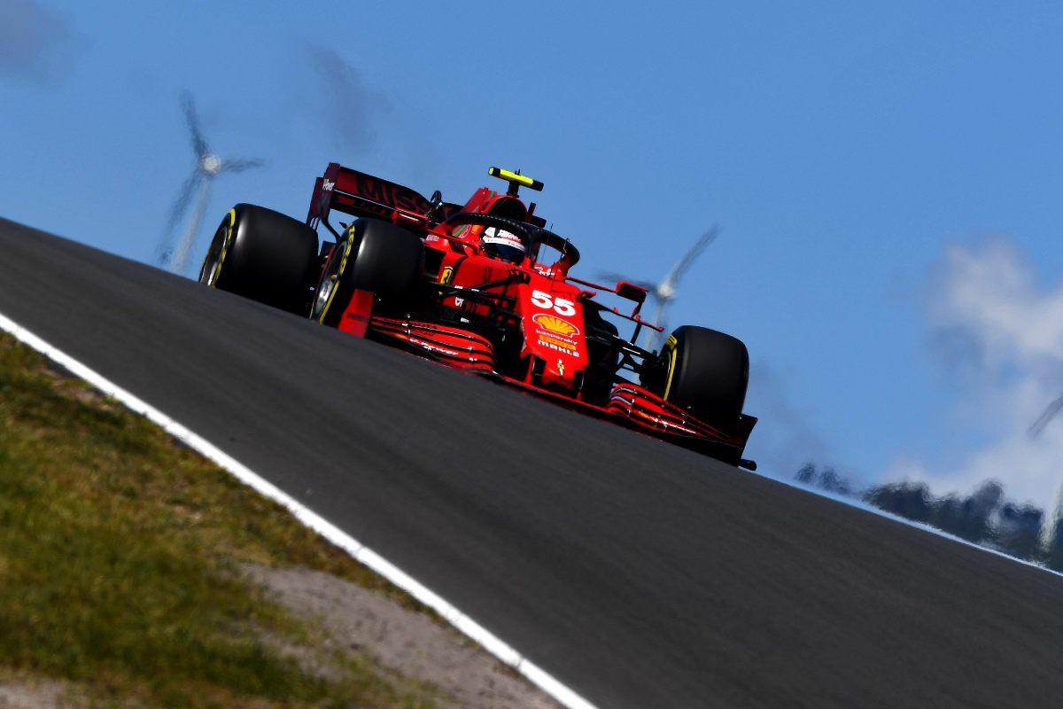 Carlos Sainz nelle prove libere del Gran Premio del Portogallo di F1 2021 a Portimao