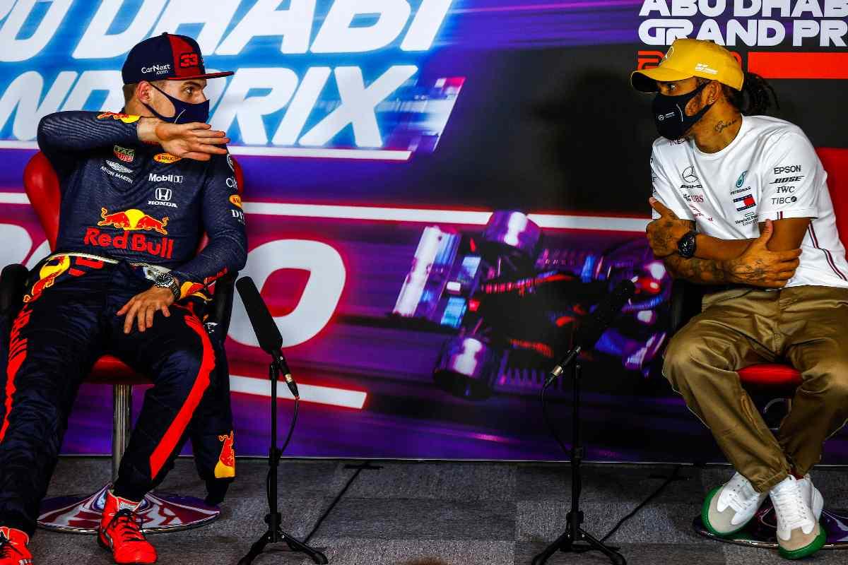 Max Verstappen e Lewis Hamilton nella conferenza stampa dopo il Gran Premio del Bahrain di F1 2021 a Sakhir