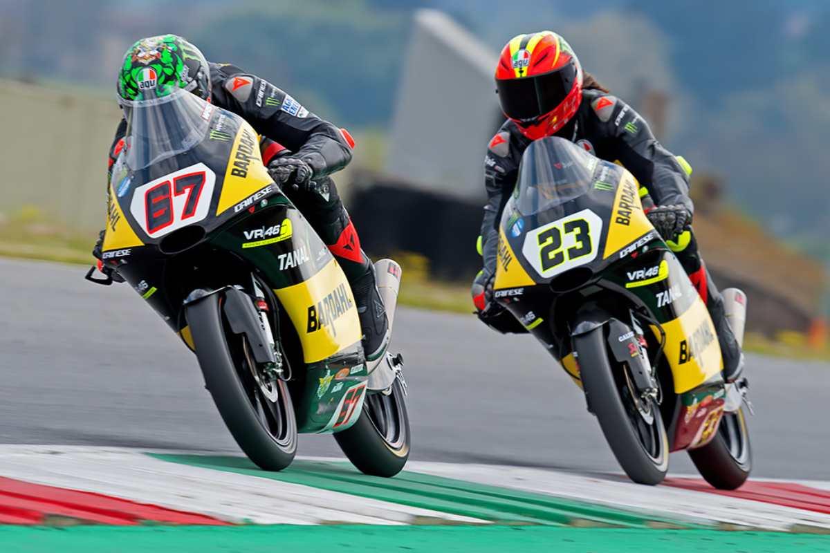 Elia Bartolini e Alberto Surra sulle moto del team Bardahl VR46 Riders Academy nella gara del campionato italiano velocità di classe Moto3 al Mugello