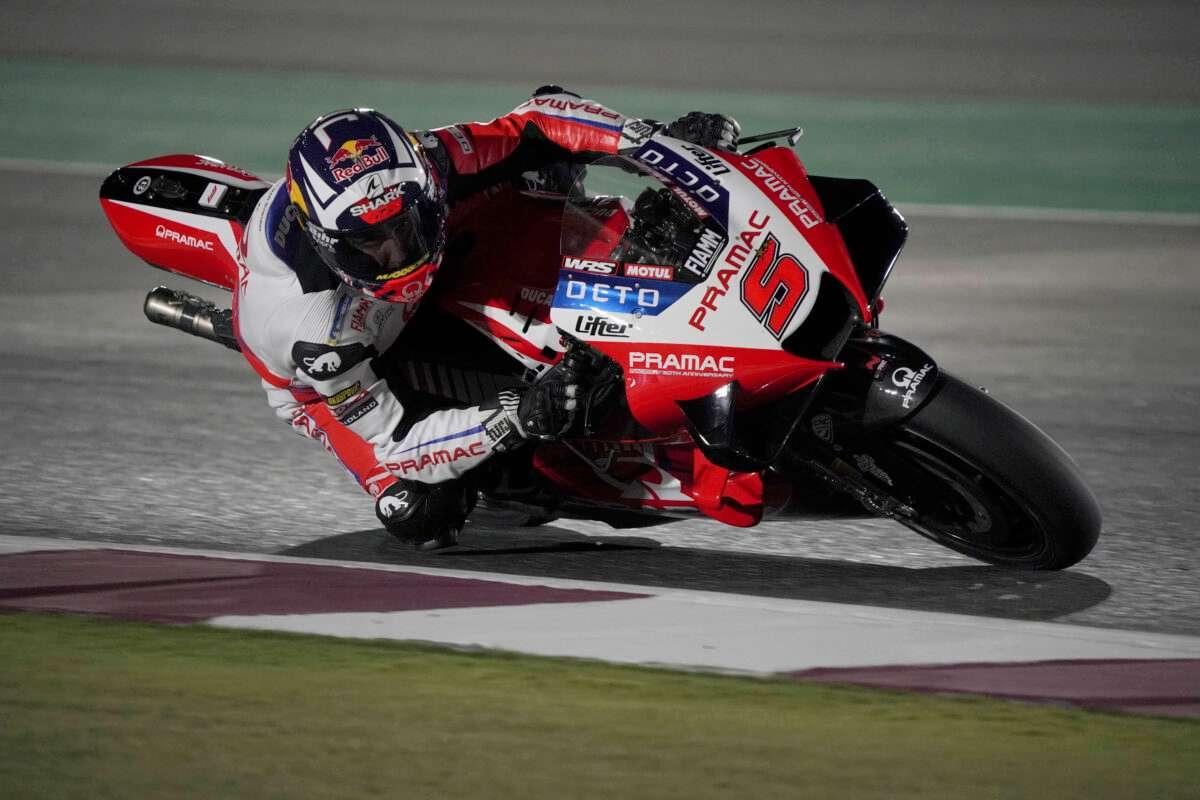 La Ducati di Johann Zarco in pista nel Gran Premio del Qatar di MotoGP 2021 a Losail
