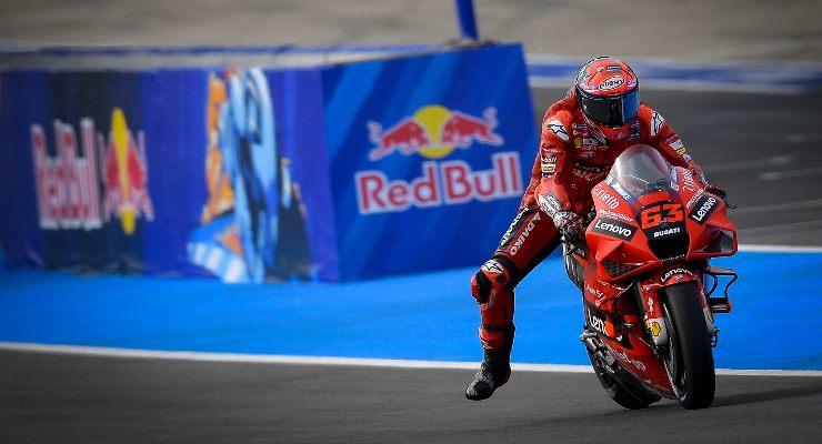 Pecco Bagnaia sulla sua Ducati nelle qualifiche del Gran Premio di Spagna di MotoGP 2021 a Jerez