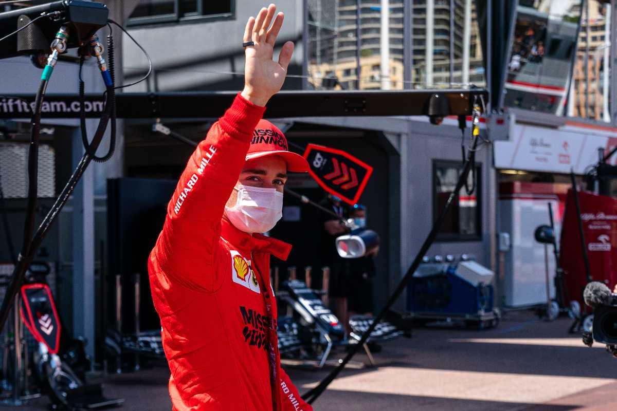 Charles Leclerc nel paddock del Gran Premio di Montecarlo di F1 2021 a Monaco