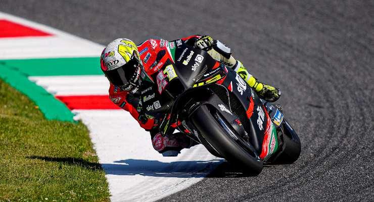 Aleix Espargarò in pista nelle prove libere del Gran Premio d'Italia di MotoGP 2021 al Mugello (Foto Aprilia)