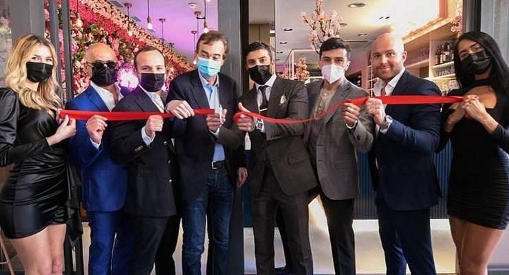 Andrea Iannone all'inaugurazione del Passion Café di Lugano