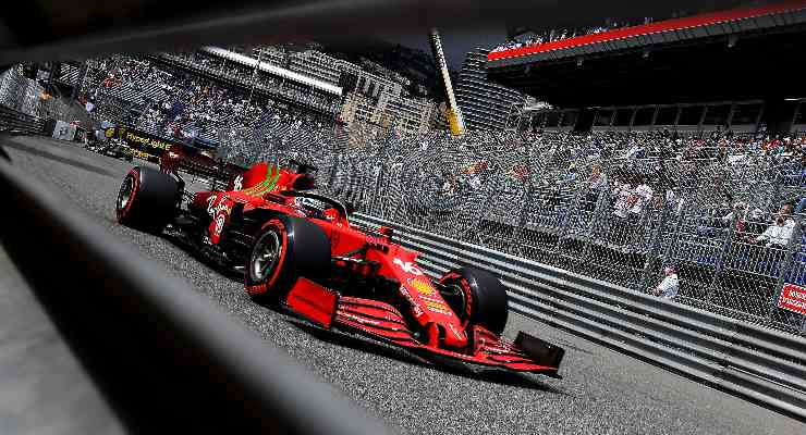 Charles Leclerc in pista nel Gran Premio di Montecarlo di F1 2021 a Monaco (Foto Ferrari)