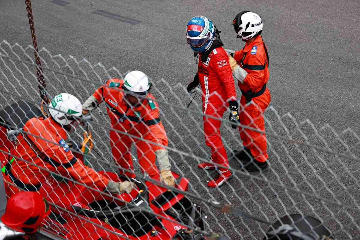 Charles Leclerc dopo l'incidente nelle qualifiche del Gran Premio di Montecarlo di F1 2021 a Monaco