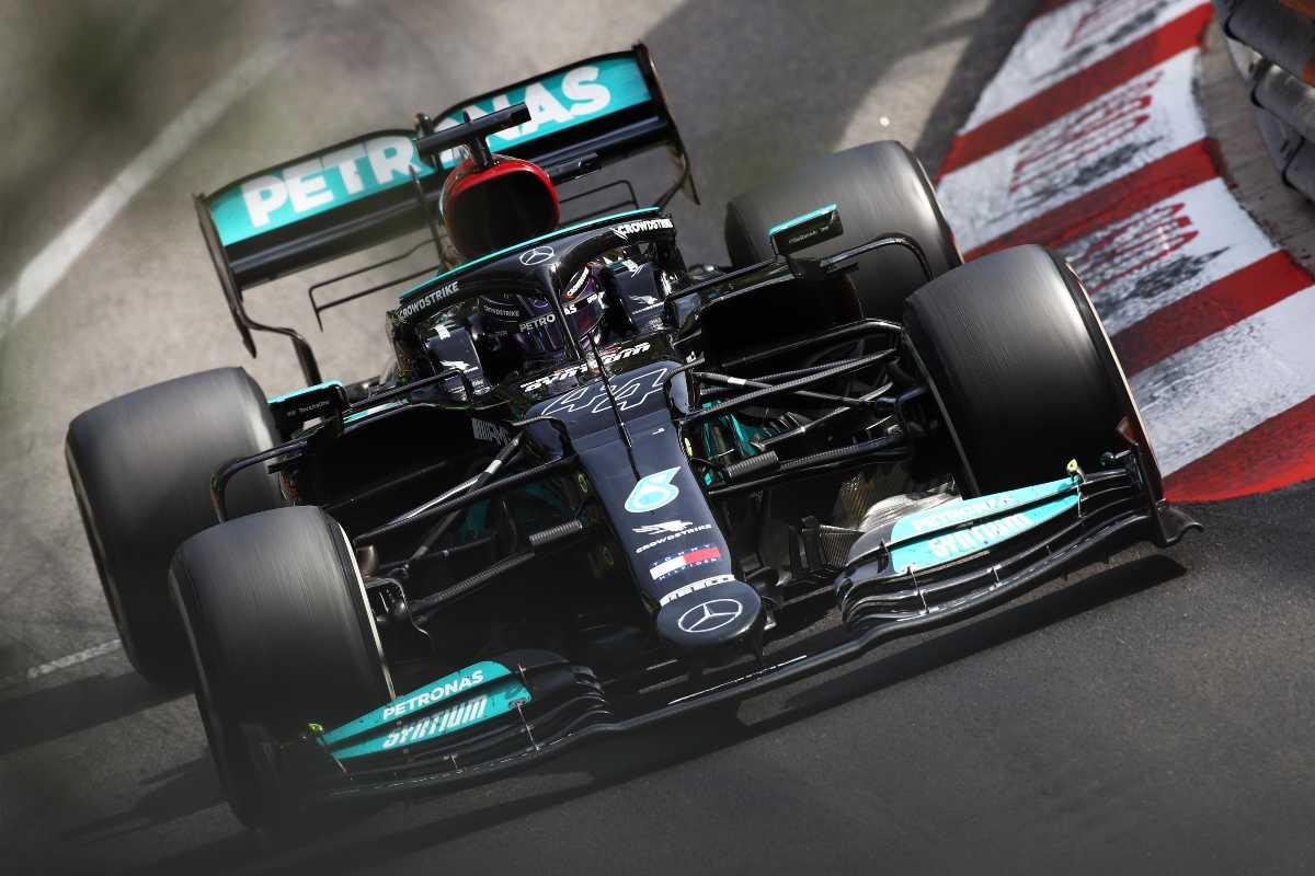Lewis Hamilton in pista al Gran Premio di Montecarlo di F1 2021 a Monaco
