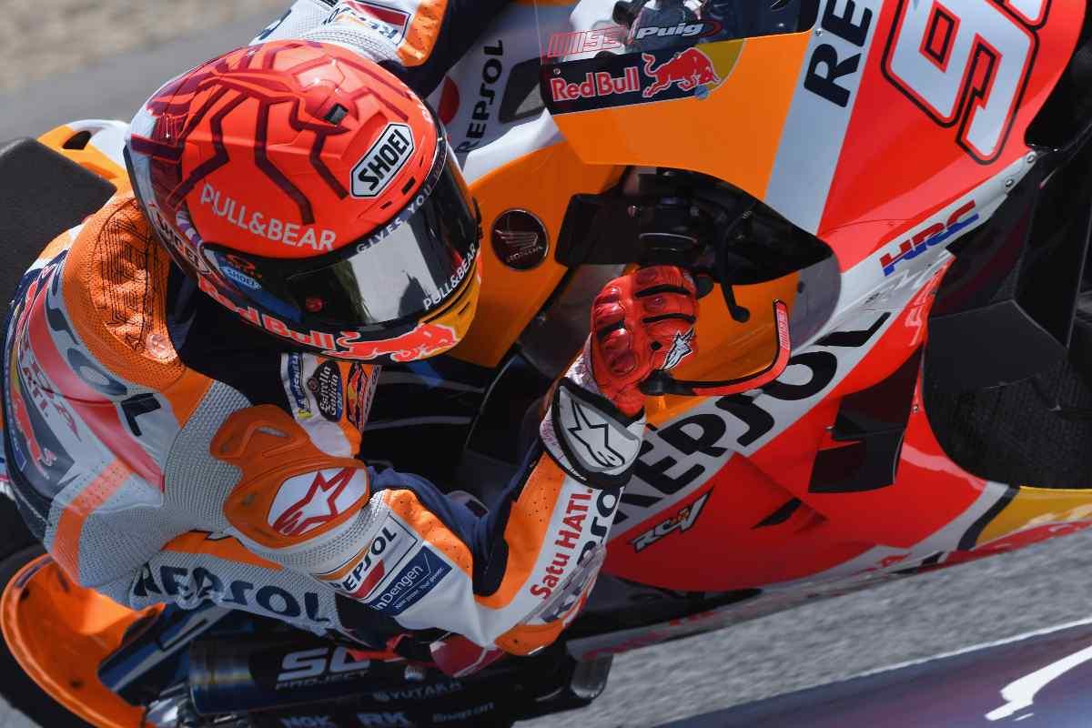 Marc Marquez sulla sua Honda al Gran Premio di Spagna di MotoGP 2021 a Jerez