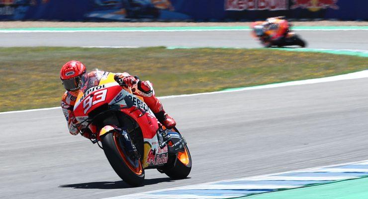 Marc Marquez in pista sulla sua Honda al Gran Premio di Spagna di MotoGP 2021 a Jerez