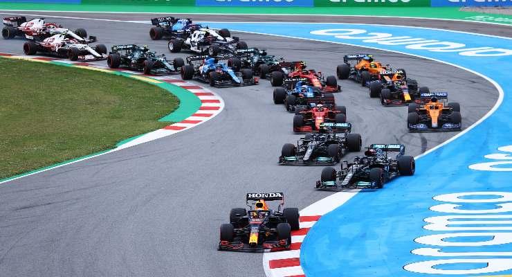 La partenza del Gran Premio di Spagna di F1 2021 a Barcellona