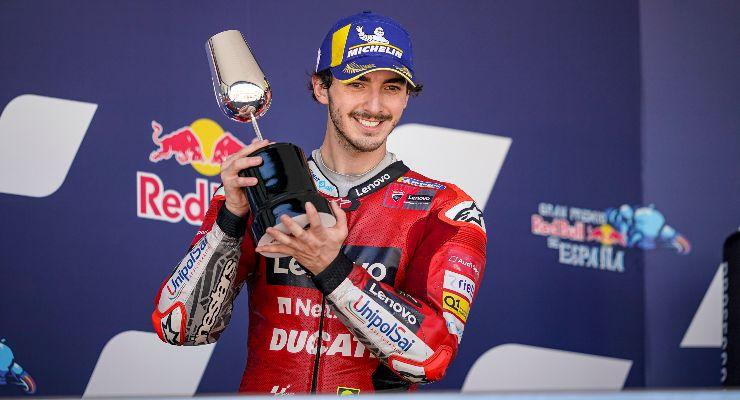 Pecco Bagnaia sul podio del Gran Premio di Spagna di MotoGP 2021 a Jerez