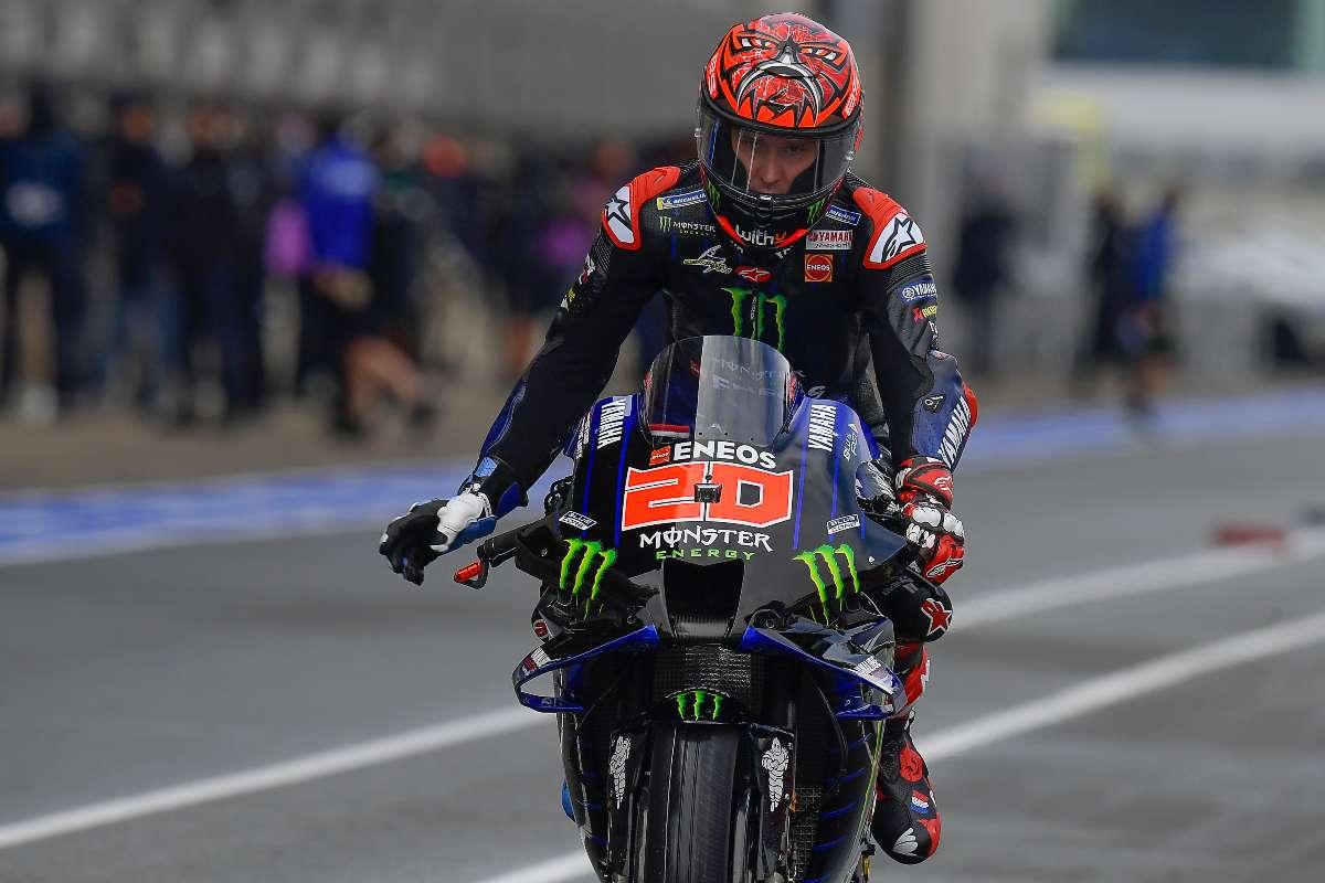 Fabio Quartararo in pista sulla Yamaha nel Gran Premio di Francia di MotoGP 2021 a Le Mans