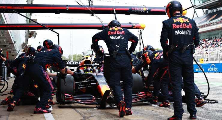 La Red Bull ai box del Gran Premio di Spagna di F1 2021 a Barcellona