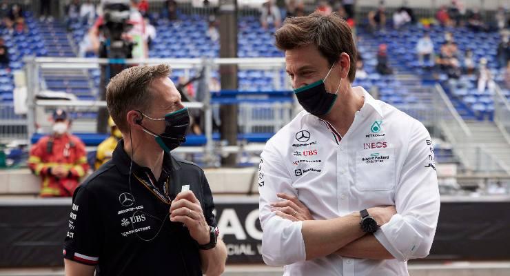 Il team principal Toto Wolff nel paddock del Gran Premio di Montecarlo di F1 2021 a Monaco