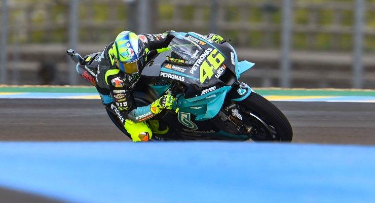 Valentino Rossi sulla Yamaha nelle prove libere del Gran Premio di Francia di MotoGP 2021 a Le Mans