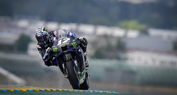 Maverick Vinales in pista sulla Yamaha nel Gran Premio di Francia di MotoGP 2021 a Le Mans