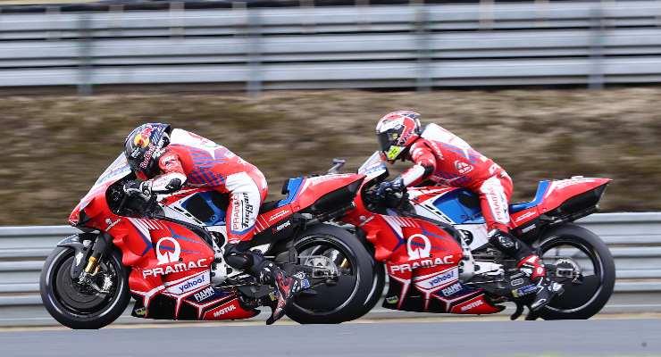 Johann Zarco e Tito Rabat sulle Ducati Pramac nelle prove libere del Gran Premio di Francia di MotoGP 2021 a Le Mans