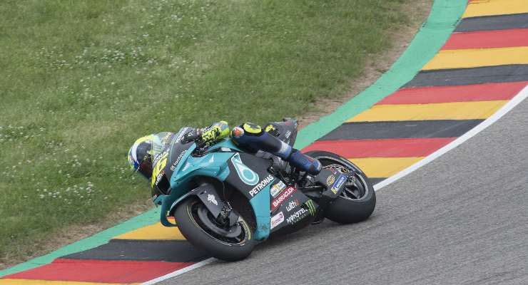 Valentino Rossi in pista in Germania (GettyImages)