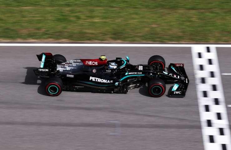 Valtteri Bottas in pista con la Mercedes (GettyImages)